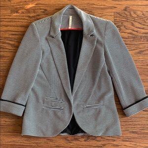 WILLOW & CLAY black white stripe, lined jacket EUC